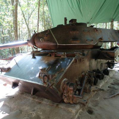 Ausgeschlachteter Beutepanzer