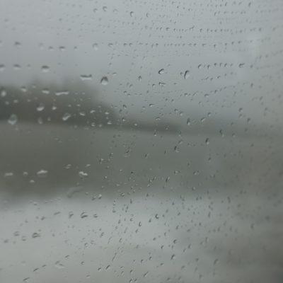 Nebel beschlägt Scheibe