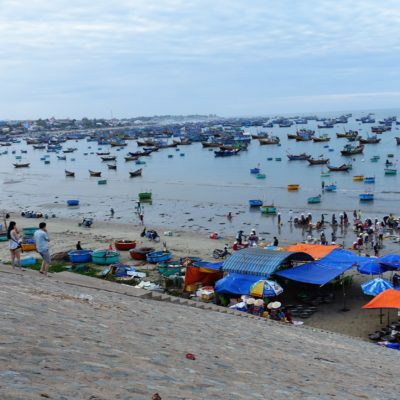 Viele viele bunte Boote